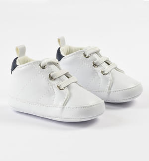 Comfortable and sporty faux leather baby shoes WHITE