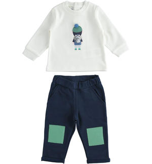 Two-piece outfit with pompom t-shirt and trousers with patches