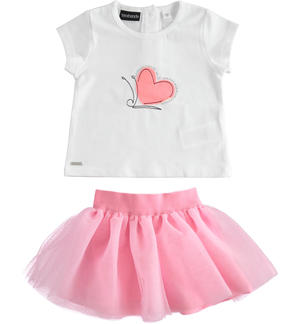 Chic t-shirt and tulle skirt outfit PINK