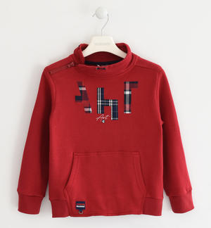 Sweatshirt with fantasy print, in combination with the key ring  RED