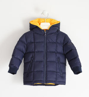 Goose down jacket with checked quilt