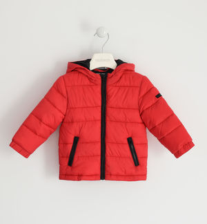 100-gram model jacket with contrasting zip RED