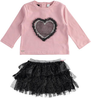 Graceful oufit made of T-shirt with heart and tulle skirt