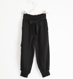 Gritty cargo model trousers with cuffs on the bottom