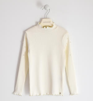 Ribbed turtleneck with pearls