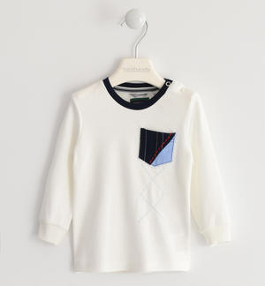 100% cotton crew-neck shirt with pocket and embroidery