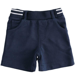 Soft and comfortable short trousers in 100% cotton fleece