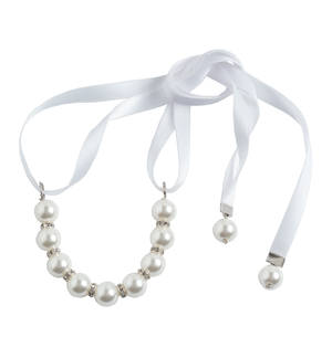 Sophisticated necklace with faux pearls CREAM