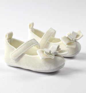 Newborn girl chenille shoes for ceremony