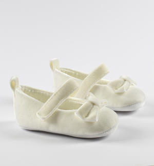 Newborn velvet ceremony shoes with bow and Velcro strap CREAM