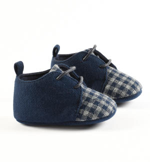Newborn shoes with laces made of double fabric plain and check BLUE