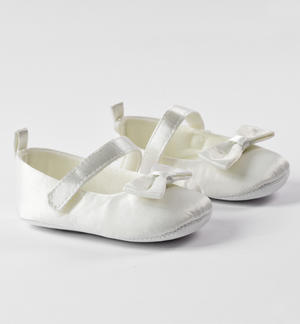 Newborn chenille shoes with comfortable Velcro and bow