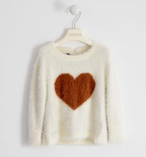 Tricot round neck with heart inlay