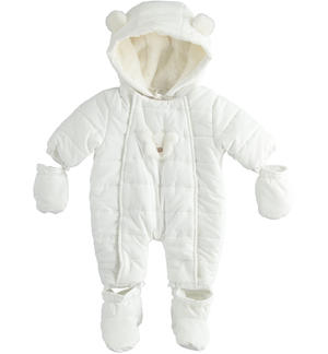 Thermal suit lined in chenille with soft applications